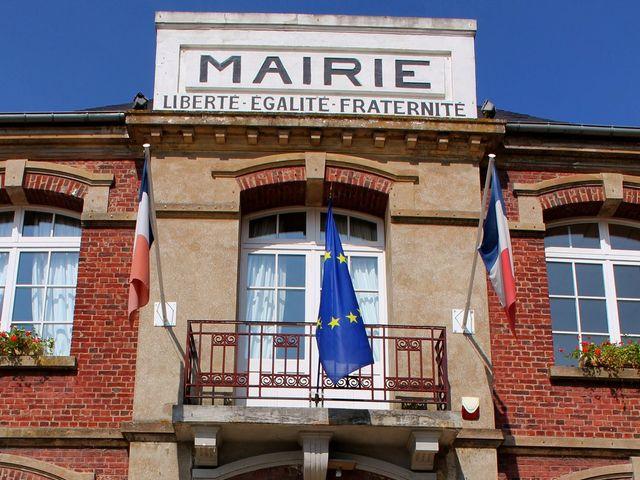 Le mariage de Adrien et Julie à Chevrières, Oise 3