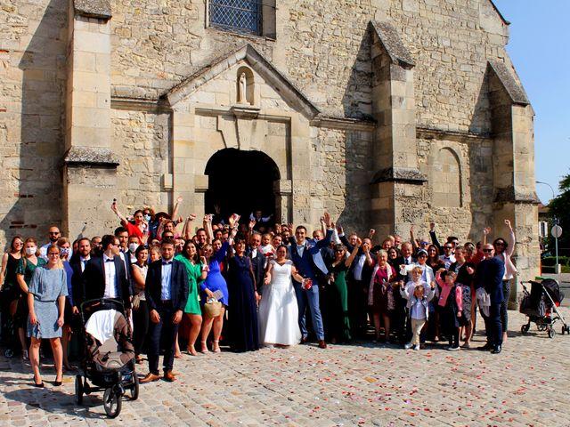 Le mariage de Adrien et Julie à Chevrières, Oise 4