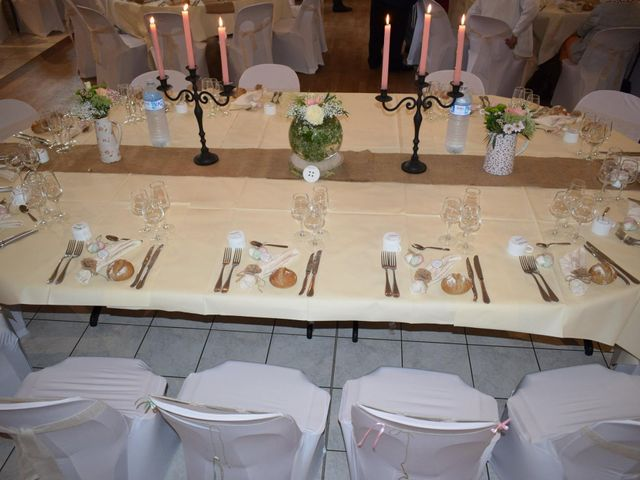 Le mariage de Raphael et Stéphanie à Chemazé, Mayenne 11