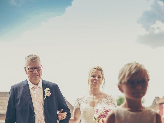 Le mariage de Ulrich et Céline à Ranchicourt, Pas-de-Calais 23