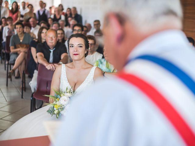 Le mariage de Vincent et Noémie à Courson-les-Carrières, Yonne 25