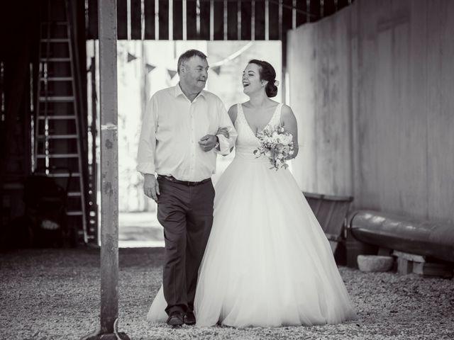 Le mariage de Vincent et Noémie à Courson-les-Carrières, Yonne 32