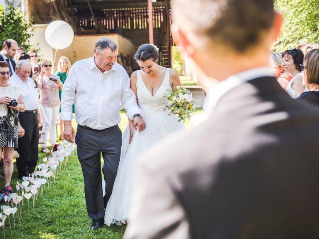 Le mariage de Vincent et Noémie à Courson-les-Carrières, Yonne 33
