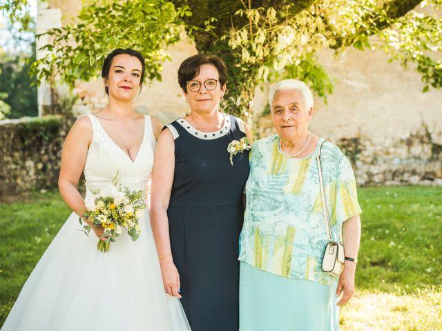Le mariage de Vincent et Noémie à Courson-les-Carrières, Yonne 42