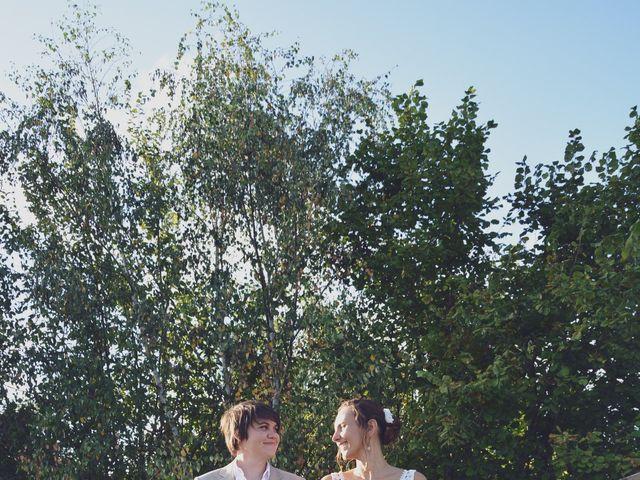 Le mariage de Marie Charlotte et Camille à Loubens, Gironde 5