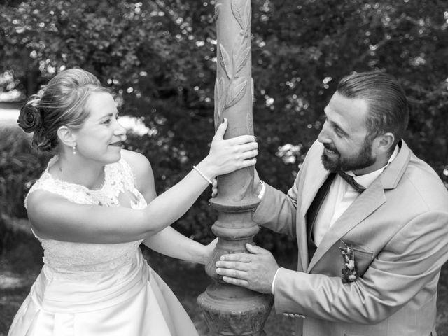 Le mariage de Julien et Lise à La Couture-Boussey, Eure 3