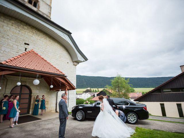 Le mariage de Stéphane et Loryne à Neuchâtel-Urtière, Doubs 17
