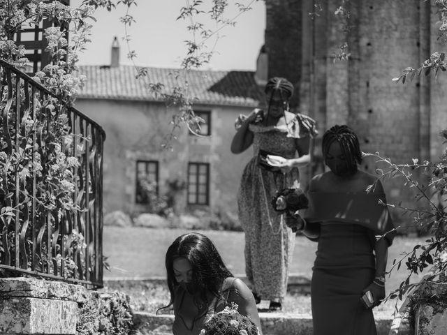 Le mariage de Yohan et Celeste à Château-Larcher, Vienne 40