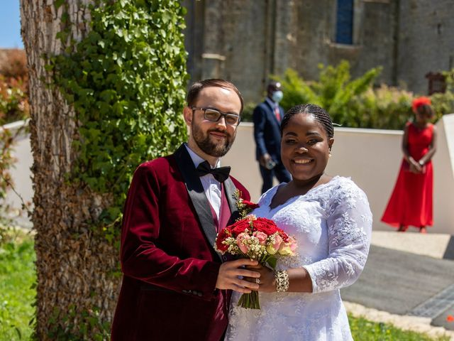 Le mariage de Yohan et Celeste à Château-Larcher, Vienne 92