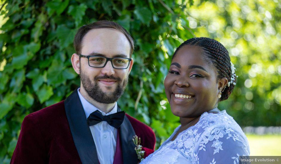 Le mariage de Yohan et Celeste à Château-Larcher, Vienne