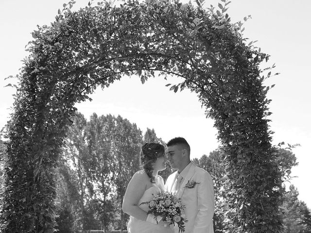 Le mariage de Mark et Alison à Châlette-sur-Loing, Loiret 17