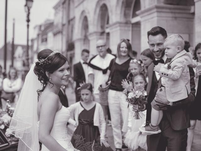 Le mariage de Jonathan et Manon à Hazebrouck, Nord 15