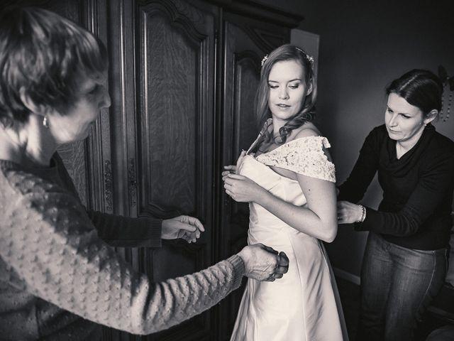 Le mariage de Jean-Sébastien et Hélène à Saint-Marcel-Bel-Accueil, Isère 9