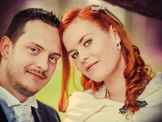 Le mariage de Jean-Sébastien et Hélène à Saint-Marcel-Bel-Accueil, Isère 19
