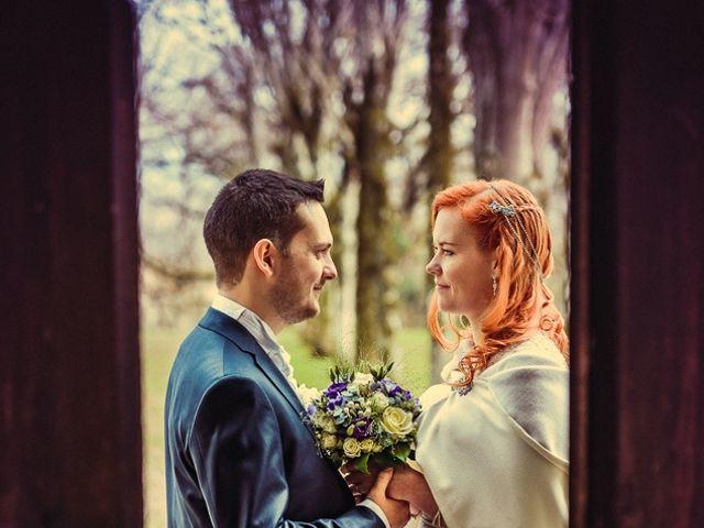 Le mariage de Jean-Sébastien et Hélène à Saint-Marcel-Bel-Accueil, Isère 23