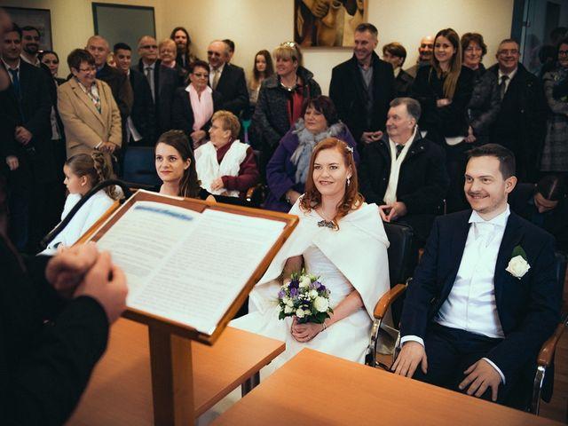 Le mariage de Jean-Sébastien et Hélène à Saint-Marcel-Bel-Accueil, Isère 28