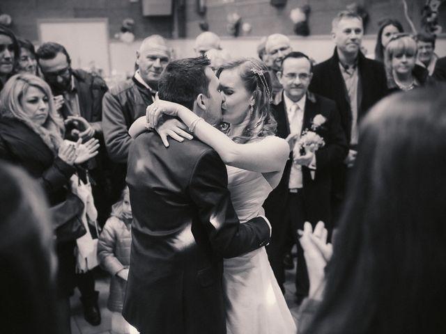Le mariage de Jean-Sébastien et Hélène à Saint-Marcel-Bel-Accueil, Isère 40