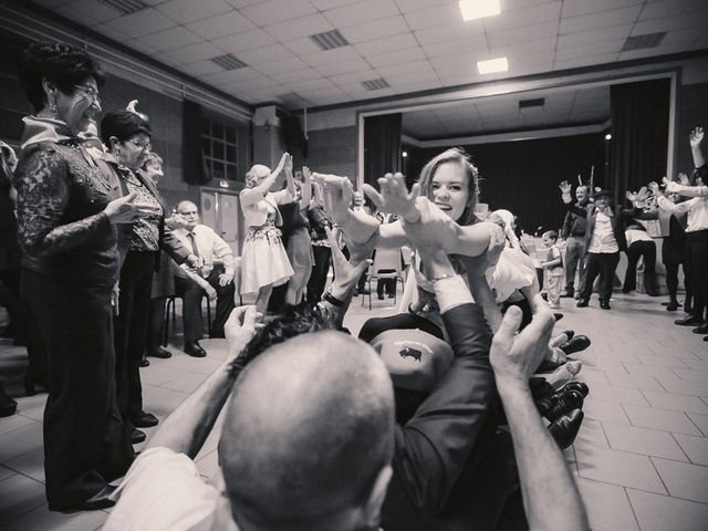 Le mariage de Jean-Sébastien et Hélène à Saint-Marcel-Bel-Accueil, Isère 47