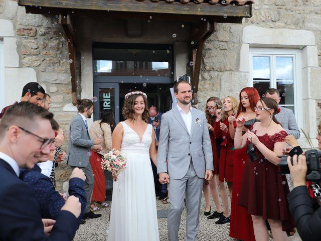 Le mariage de Colin et Angelina à Saint-Genest-Malifaux, Loire 7