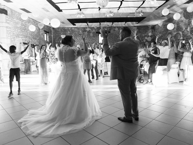 Le mariage de Ludovic et Elodie à Neuilly-lès-Dijon, Côte d'Or 30