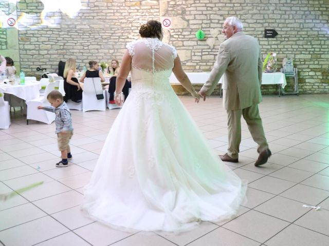 Le mariage de Ludovic et Elodie à Neuilly-lès-Dijon, Côte d'Or 35