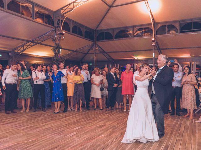 Le mariage de Olivier et Olivia à Pont-de-l'Arche, Eure 44