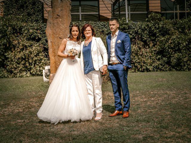 Le mariage de Akim et Leila à Cassel, Nord 26