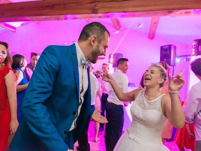 Le mariage de Xavier et Julie à La Crau, Var 56