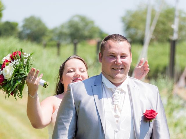 Le mariage de Christopher et Alison à Saint-Georges-des-Agoûts, Charente Maritime 9