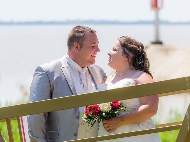 Le mariage de Christopher et Alison à Saint-Georges-des-Agoûts, Charente Maritime 12