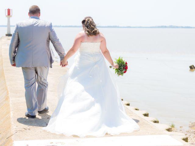 Le mariage de Christopher et Alison à Saint-Georges-des-Agoûts, Charente Maritime 13