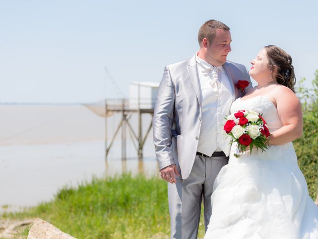 Le mariage de Christopher et Alison à Saint-Georges-des-Agoûts, Charente Maritime 15