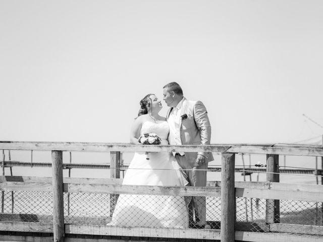 Le mariage de Christopher et Alison à Saint-Georges-des-Agoûts, Charente Maritime 16