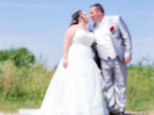 Le mariage de Christopher et Alison à Saint-Georges-des-Agoûts, Charente Maritime 1
