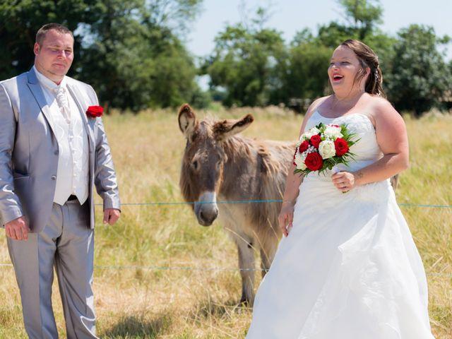 Le mariage de Christopher et Alison à Saint-Georges-des-Agoûts, Charente Maritime 18