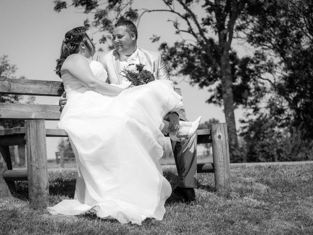 Le mariage de Christopher et Alison à Saint-Georges-des-Agoûts, Charente Maritime 22