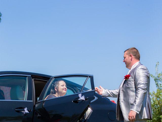 Le mariage de Christopher et Alison à Saint-Georges-des-Agoûts, Charente Maritime 25