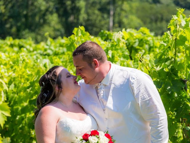Le mariage de Christopher et Alison à Saint-Georges-des-Agoûts, Charente Maritime 27