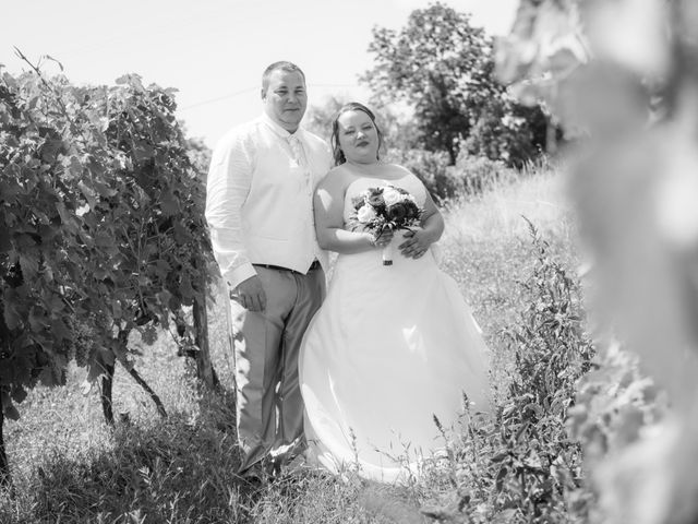 Le mariage de Christopher et Alison à Saint-Georges-des-Agoûts, Charente Maritime 28