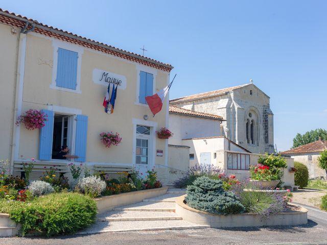 Le mariage de Christopher et Alison à Saint-Georges-des-Agoûts, Charente Maritime 42