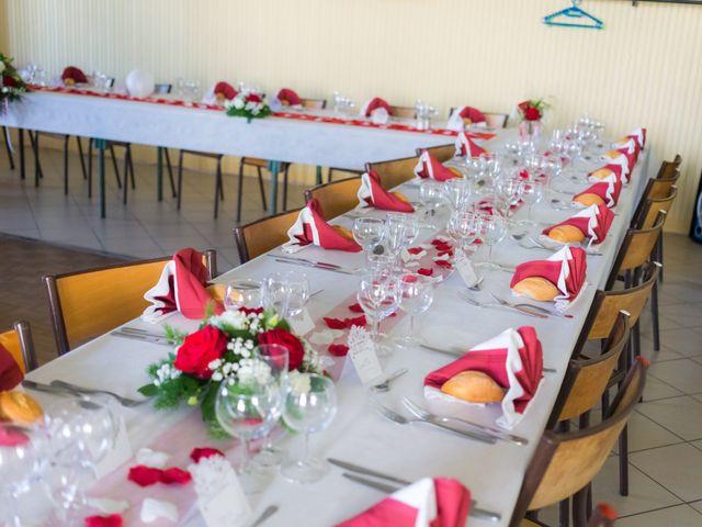 Le mariage de Christopher et Alison à Saint-Georges-des-Agoûts, Charente Maritime 44
