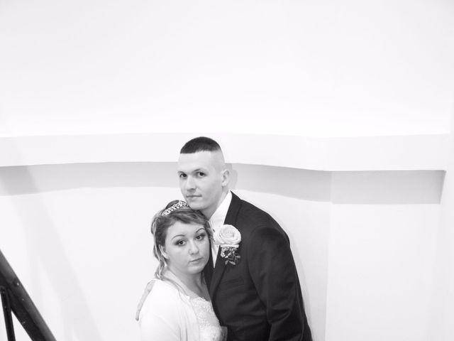 Le mariage de Léa et Wilfried à Puiseaux, Loiret 20