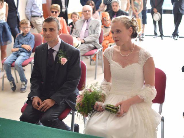 Le mariage de Arthur et Laura à Fontaine-au-Bois, Nord 9
