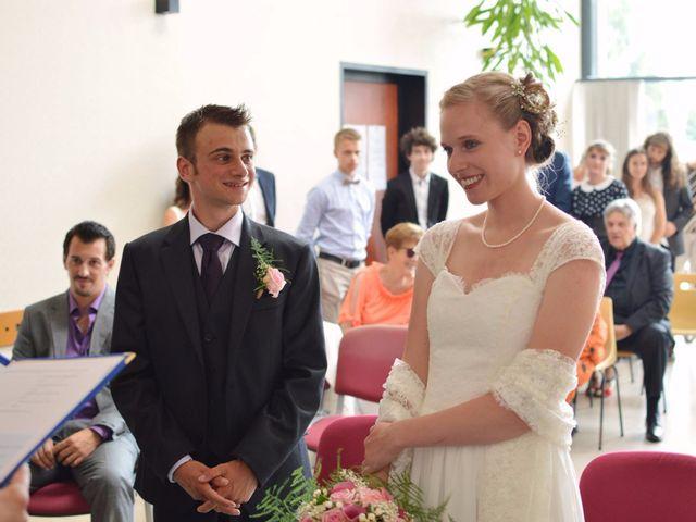 Le mariage de Arthur et Laura à Fontaine-au-Bois, Nord 11