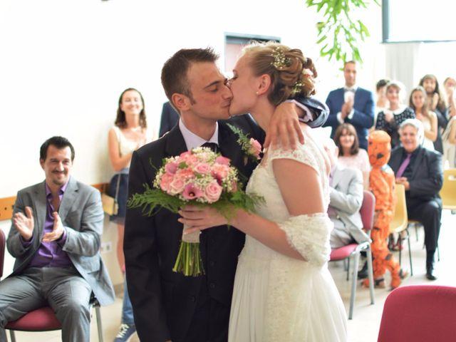 Le mariage de Arthur et Laura à Fontaine-au-Bois, Nord 12
