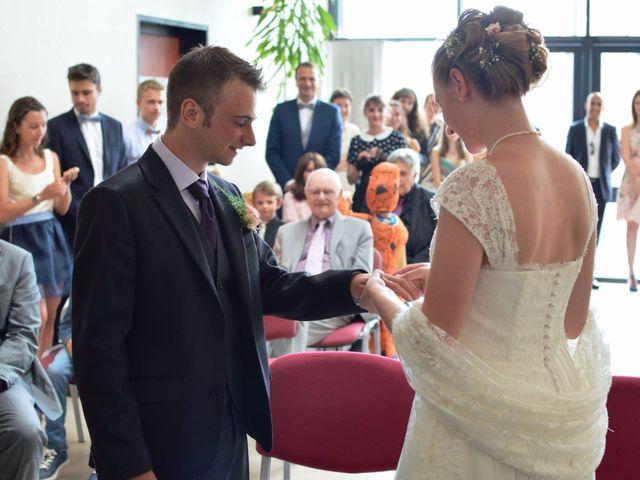 Le mariage de Arthur et Laura à Fontaine-au-Bois, Nord 15