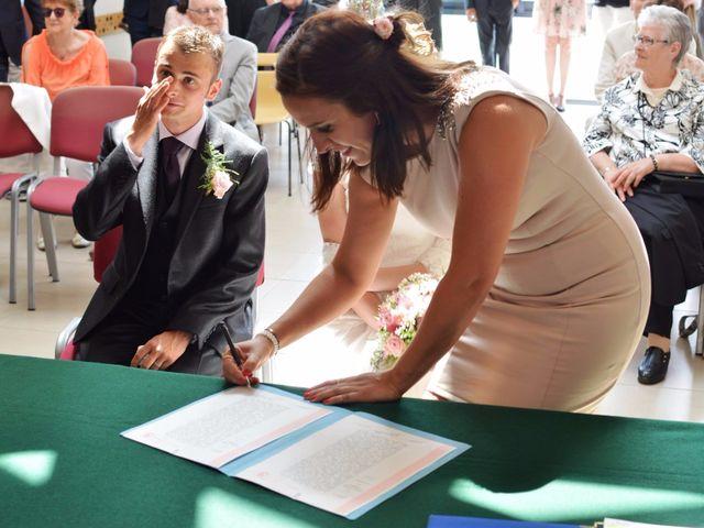 Le mariage de Arthur et Laura à Fontaine-au-Bois, Nord 18