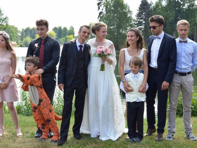 Le mariage de Arthur et Laura à Fontaine-au-Bois, Nord 24