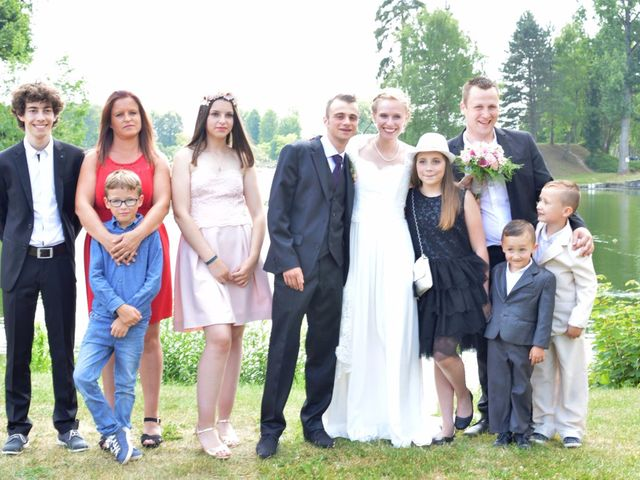 Le mariage de Arthur et Laura à Fontaine-au-Bois, Nord 25