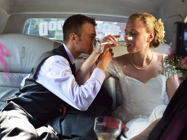 Le mariage de Arthur et Laura à Fontaine-au-Bois, Nord 29